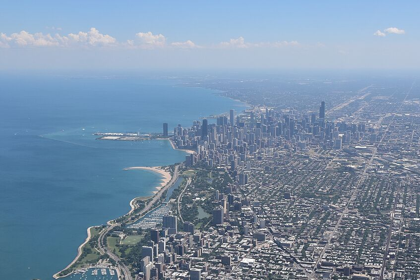 Chicago (bottom left).