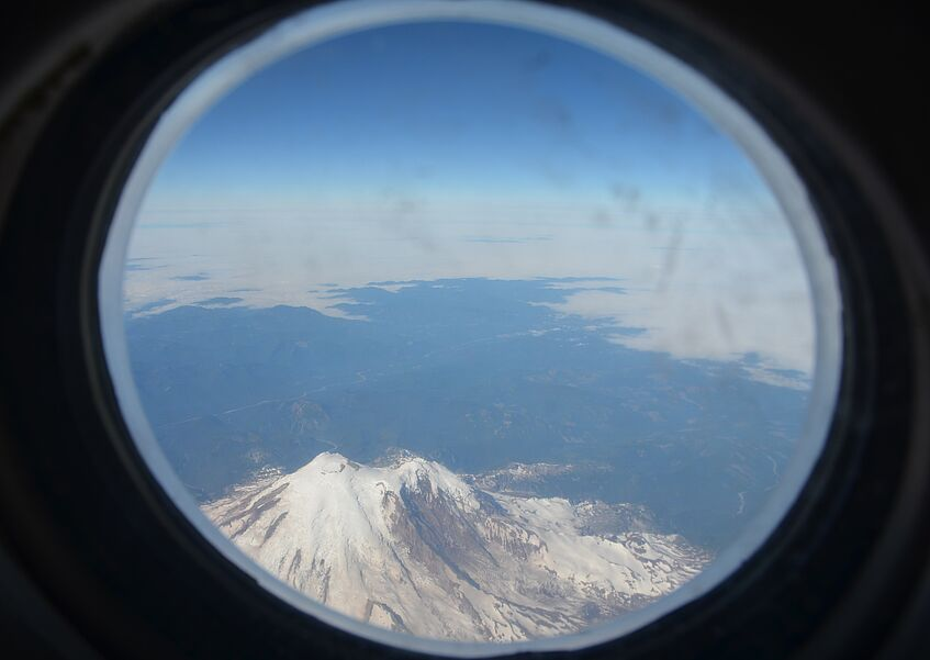 Flying over the Cascade Volcanic Arc